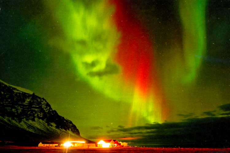 Icelandic northern lights, photographed by Tom Mackie in Iceland, 2014, scanned in from FT 327